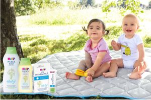 HiPP Babysanft Pflege und Krabbeldecke von JAKO-O
